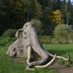 Socha mamuta nedaleko penzionu